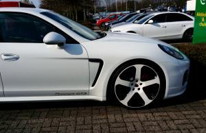 Porsche bei GLANZ